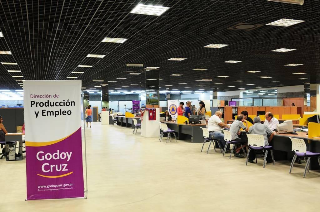 Godoy cruz ofrece varios puestos de trabajo canal 9 for Oficina de empleo arguelles